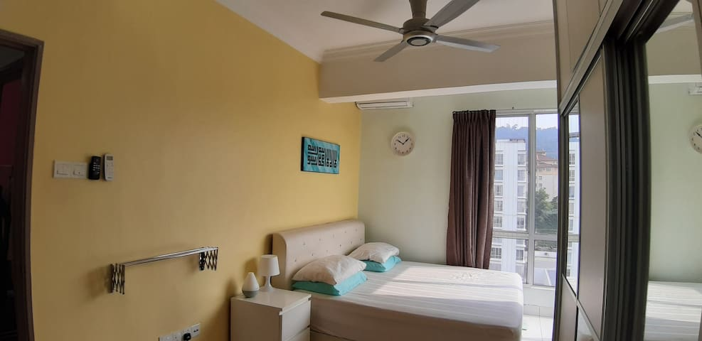 GREAT VIEW, COMFY & AIR-CONDITIONED Apartment