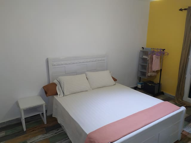 Comfy 150cm double bed, coffee table and cloth stand