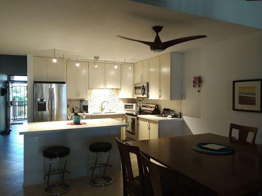 Kitchen & Dinning Table