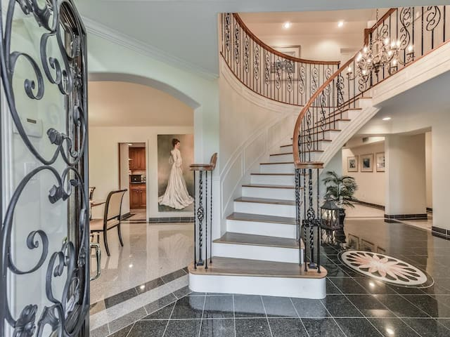 Superbowl Celebrity style 6548 SF house  8 bedrms! - Houston - House