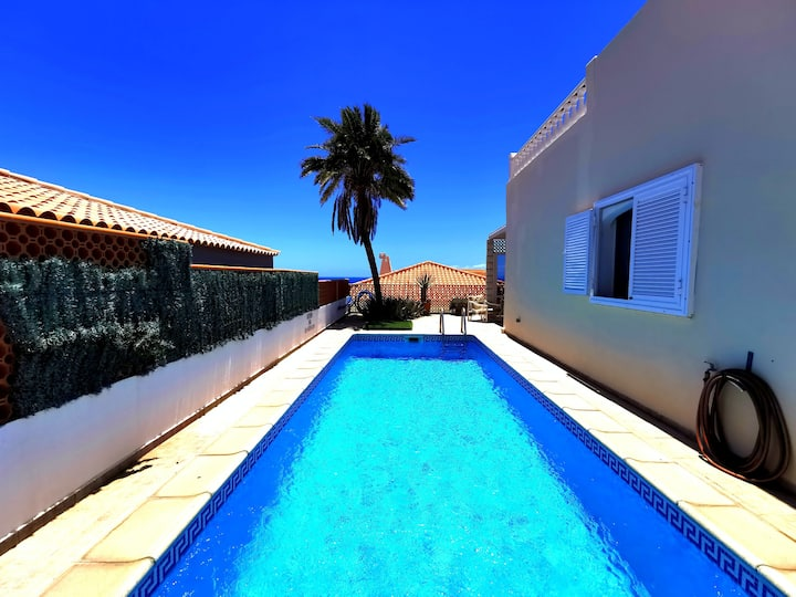 Villa private pool sea view 5 min beach, Fast Wifi