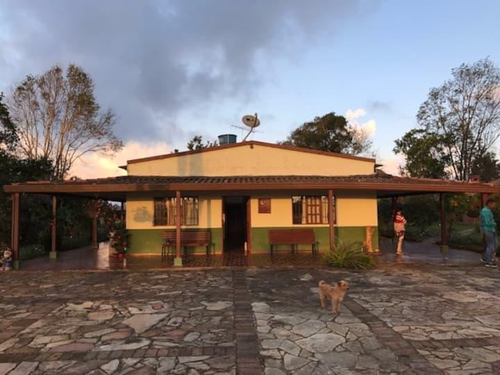 Casa campestre Mesa de Los Santos.