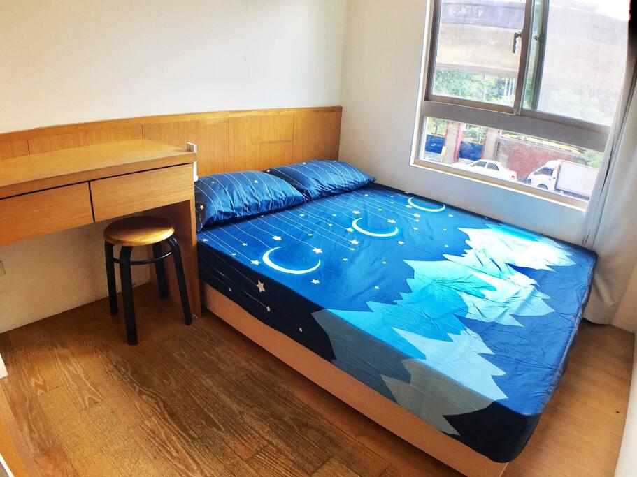 如要提供加床服務,我們備有床墊,可加於和室或房間地板上