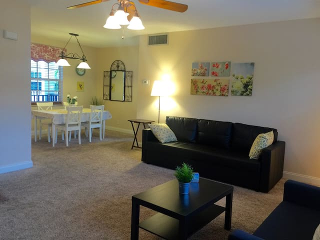 Large 1 bedroom near the beach!