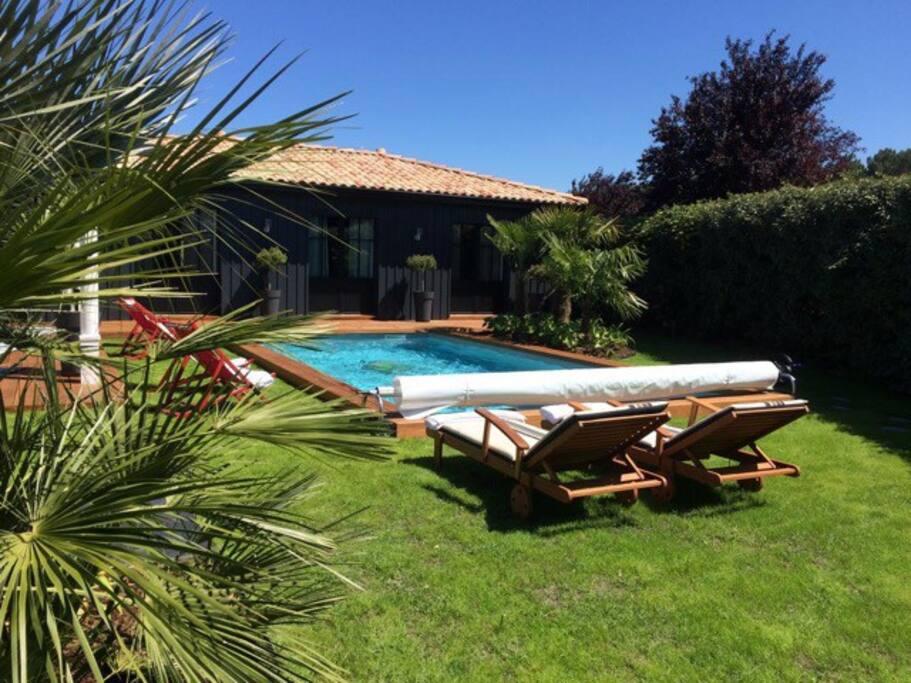 G te o bois plage de 30 m2 gujan mestras bungalows for Piscine spa gujan mestras