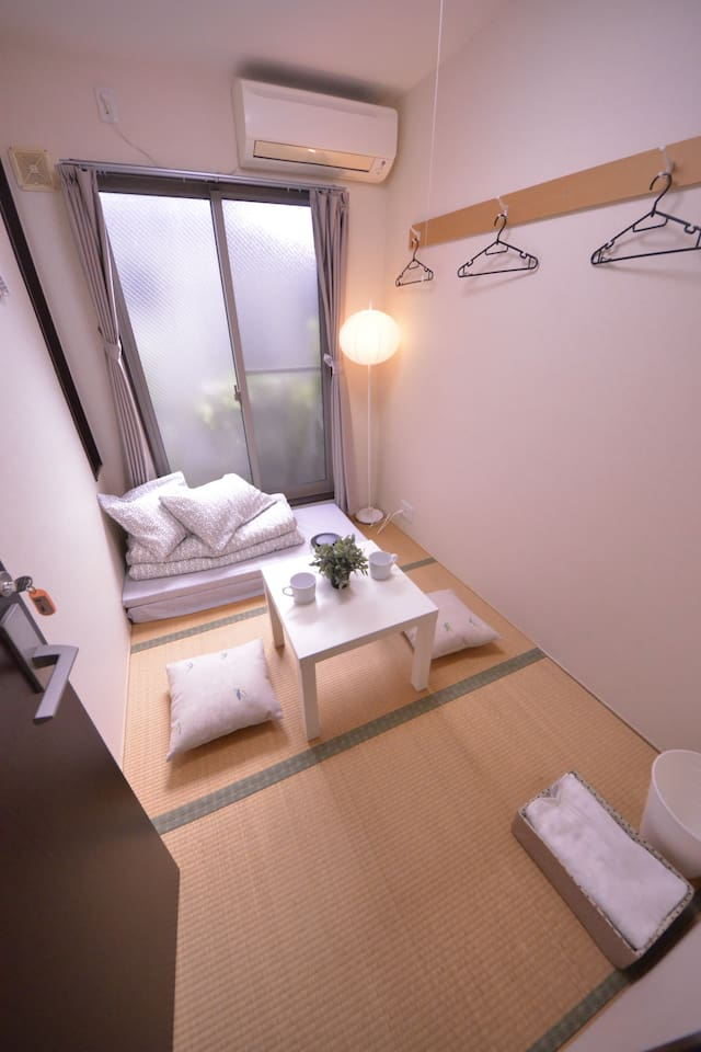 TJ21  licensed affordable  cozy room like a dorm y