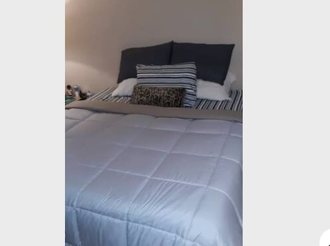 Sonoma Wine County COMFY CAL KING BED