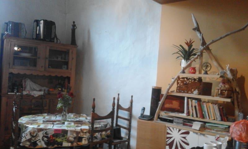 Chambre à louer - Luc-sur-Aude - Huis