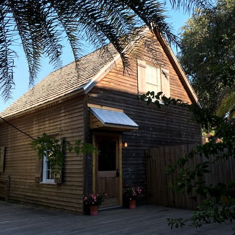 The Cottage at 76 Spanish St - Historic Downtown - St. Augustine - Ház