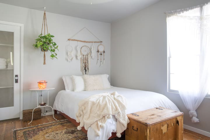 Cozy, Hippie-Chic Suite in Historic Downtown - Glendale - Casa