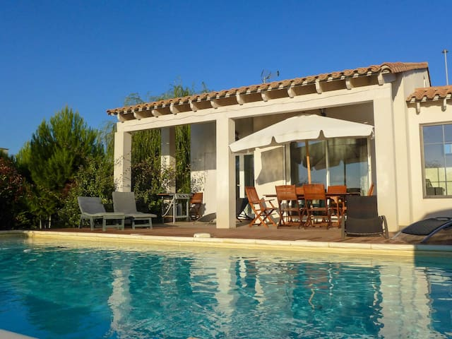 Quiet house 3* with private pool near Narbonne