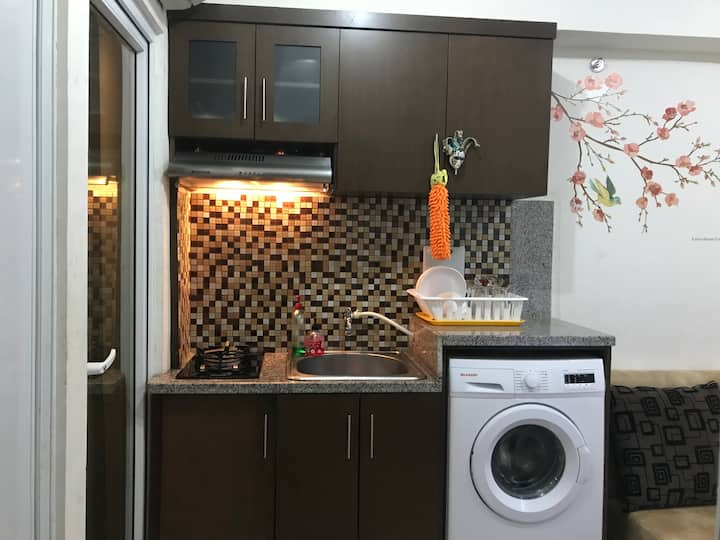 Cozy Green Pramuka 2 bedroom with washing machine