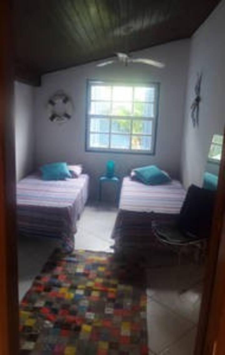 ubatuba quarto azul