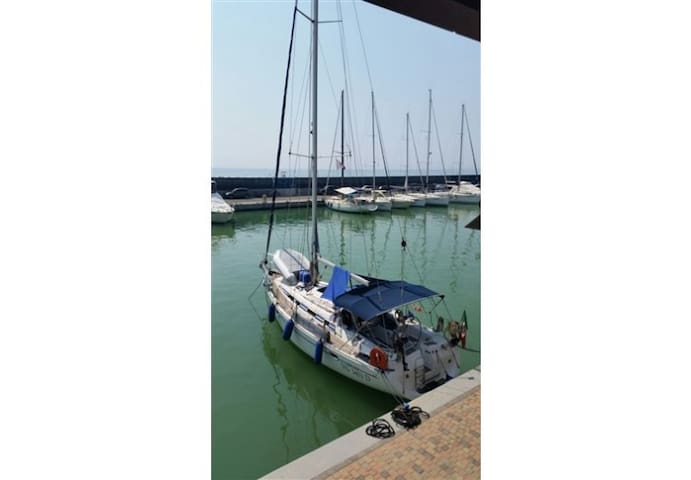 Sailing Yacht with SCUBA set-up! + Captain&Guide