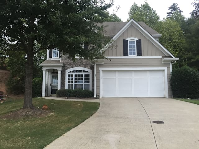 Suwanee city nice house 4bedroom3bathroom! - Suwanee - Hus