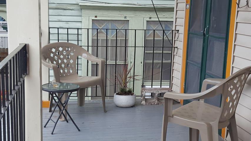 Uniquely New Orleans Mid City Shotgun Apartment