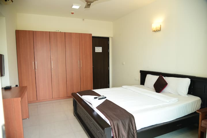 Oragadam Rooms Standard Room Including Breakfast