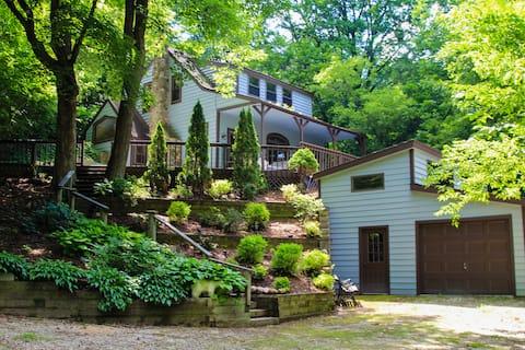 Lakeside Cabin Retreat