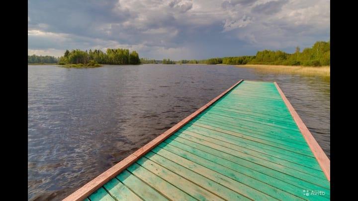 Дом Берег Река Лес Пирс Пляж Вид Отдых Баня Рыбалк