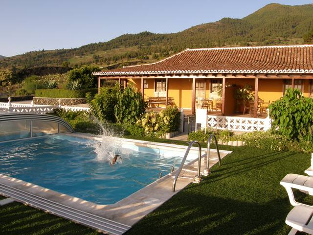 "Los Pajeros Villa with swimming pool - ""House B"""