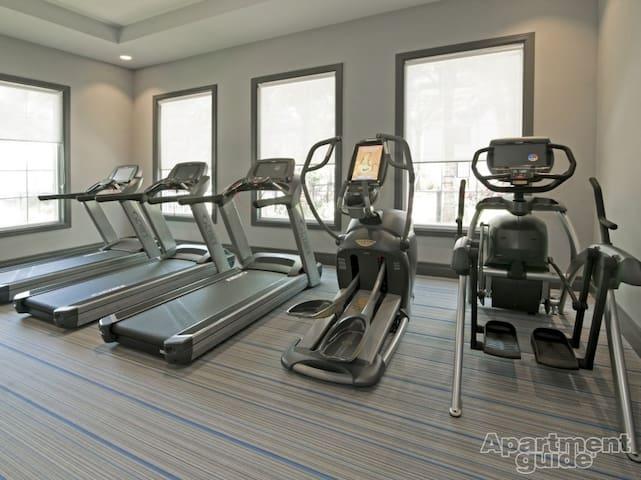 24 hr mini equinox style gym