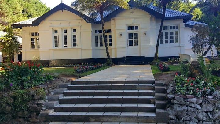 Mirage Kigns Cottage