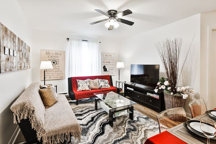 *****NEW LISTING! HOST with 640 5 STAR REVIEWS****