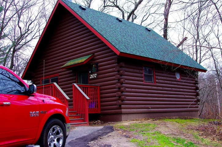 Cabin in the woods with resort amenities!!! - Wisconsin Dells - Kongsi masa