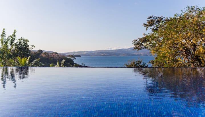 Luxury Villa On Lake Arenal