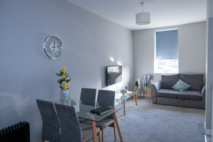 6 X MODERN APARTMENTS IN 1 BLOCK JUST OUTSIDE THE CITY ⭐MINUTES WALK FROM SHOPS AND CAFES⭐ - MODERN APARTMENT #1 JUST OUTSIDE THE CITY ⭐MINUTES WALK FROM SHOPS AND CAFES⭐