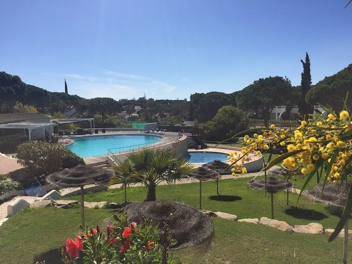 All day sunny Vale do Lobo private garden flat