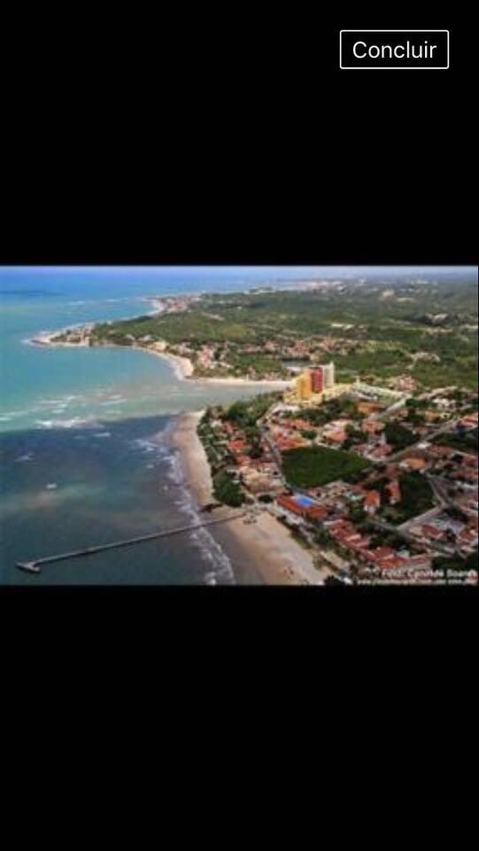 Vista aérea- rio e mar