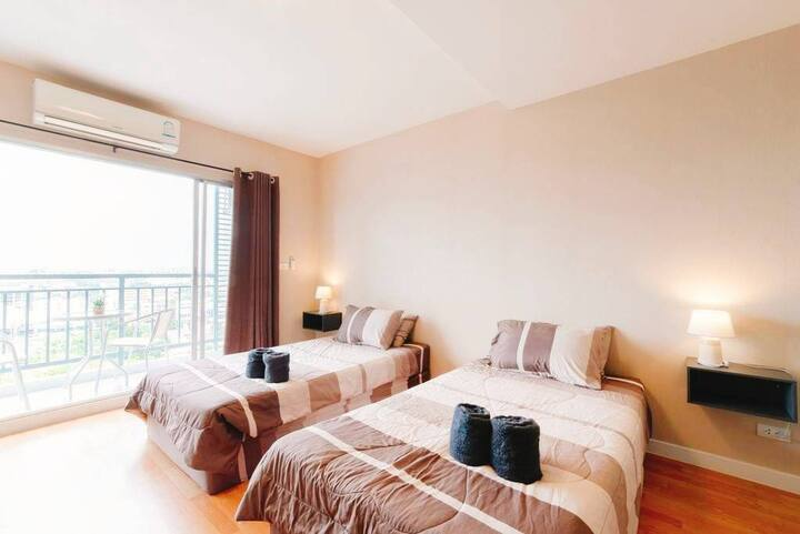 1 Bedroom Pool Condominium in Pattaya Downtown