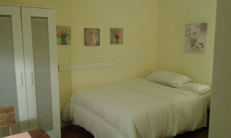 Private room in Terrassa(30km away from Barcelona)