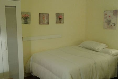 Private room in Terrassa(30km away from Barcelona)