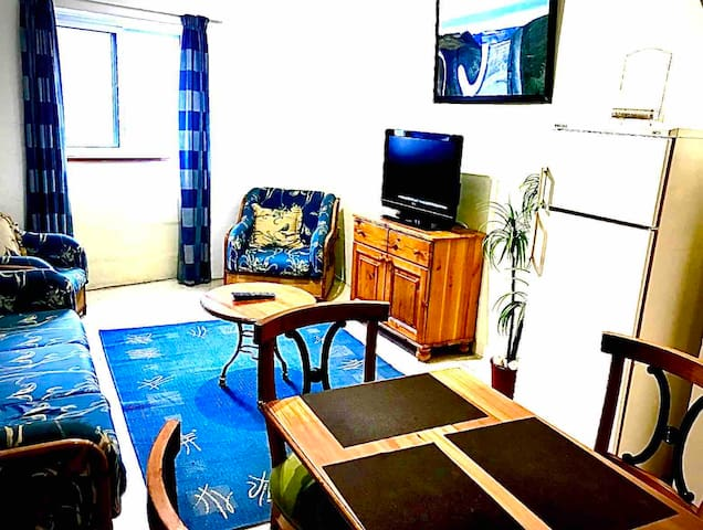 3 Bed Apt fully AirConditioned in a Quiet Area