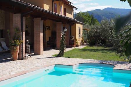 Villa Angeletti Country House - Lugnola