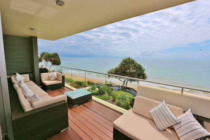 Gorgeous Beach Front Apartment - Bargara - Apartamento