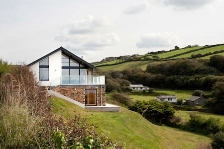 Grey Roofs 5* Property Crackington Haven, Cornwall - Crackington Haven
