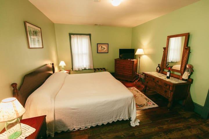 Golden Eagle Inn - The Farmer's Room