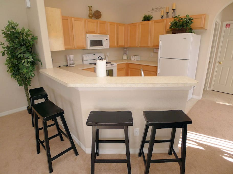 Chair,Furniture,Dining Table,Table,Tree