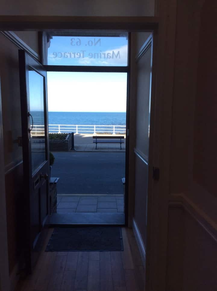 14 guests-10 Rear Facing Rooms-Aberystwyth-Beach