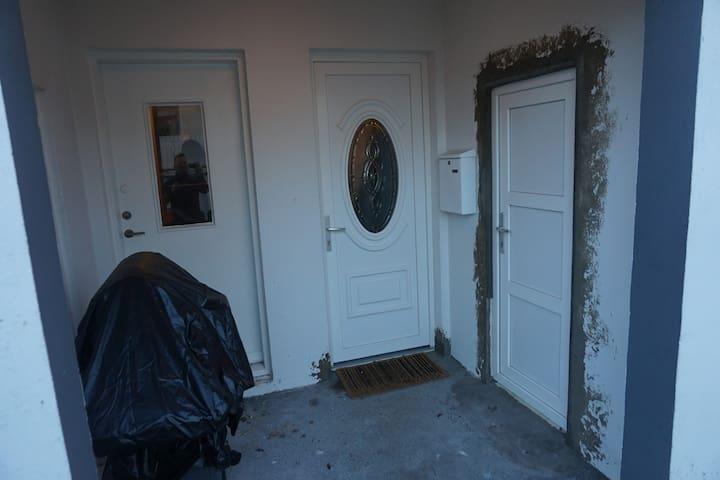Beautiful apartmennt Brimhólabaut 31 kjallari - Vestmannaeyjar - Lägenhet