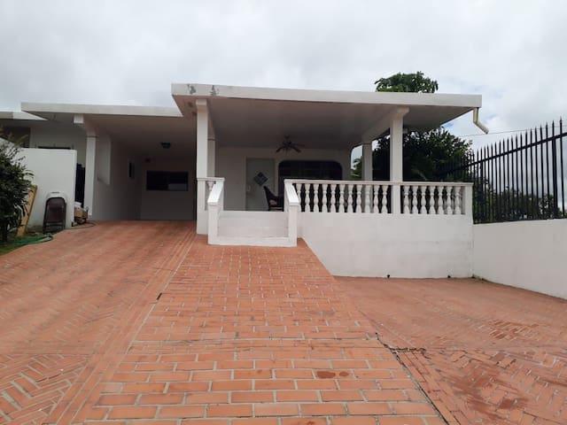 Casa en Santiago - Area Céntrica y Exclusiva