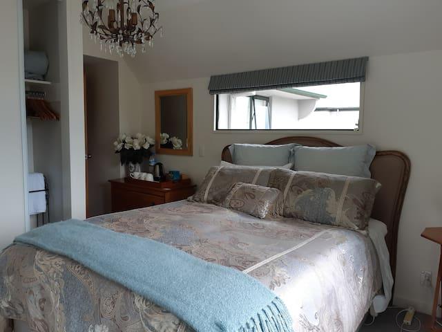 Sunny Room Opposite Hagley Park 100% Kiwi Host