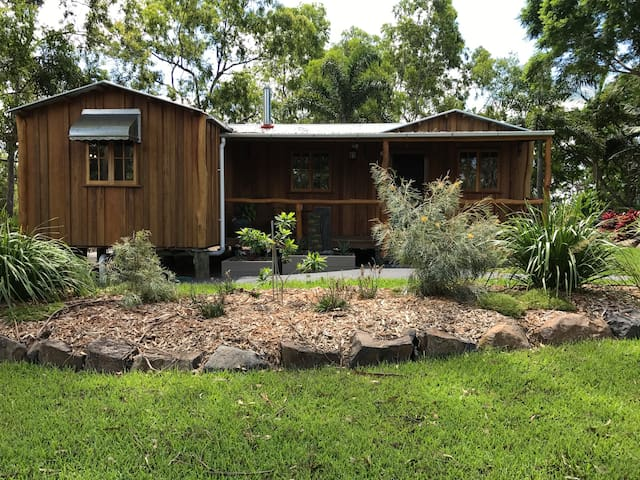 Mudgeeraba Cottage Retreat