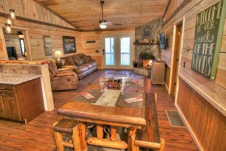 Lovely Cabin with a Hot Tub - Cleveland - Jiné