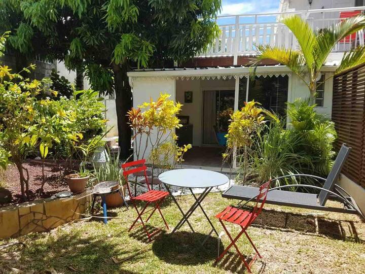 Bel appartement avec jardin à 5 min de la plage