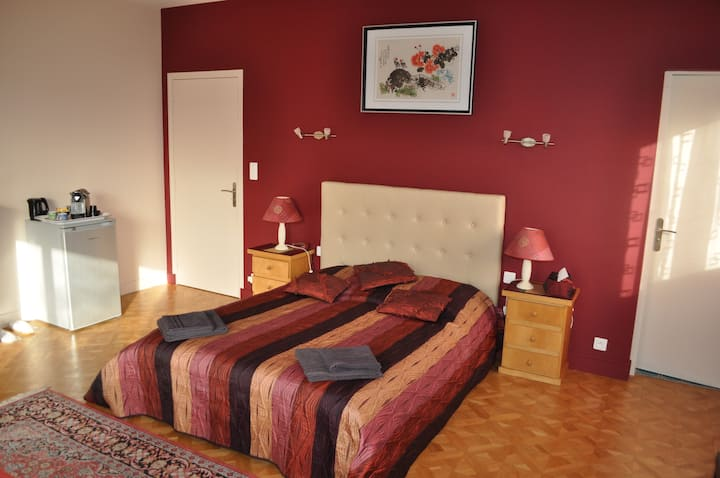 Suite in Villa next to Polytechnic, CEA, ... RER B