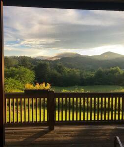 'Belle Viste' A Rarity Lake + Mountain Views